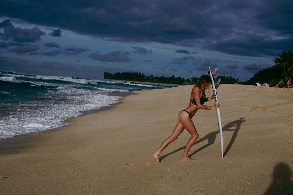 imogen-caldwell-surf
