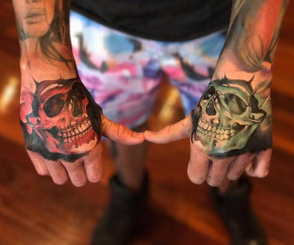 skull-tattoos-mains