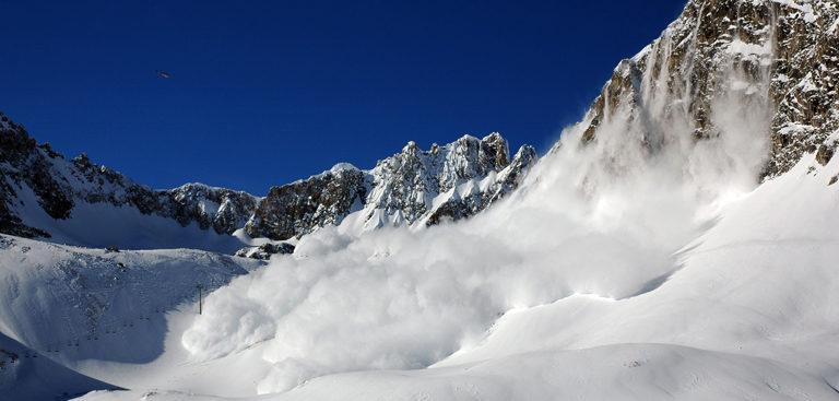 avalanche-tignes-768x367