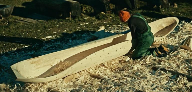 comment fabriquer un cano partir d 39 un tronc d 39 arbre. Black Bedroom Furniture Sets. Home Design Ideas
