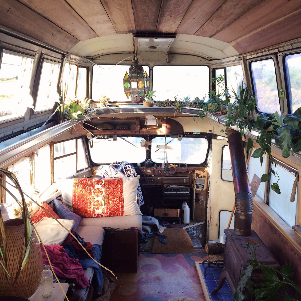 Ryan Lovelace bus maison mobile