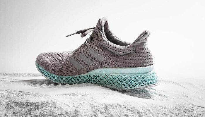 Adidas crée des chaussures faites de déchets marins et de