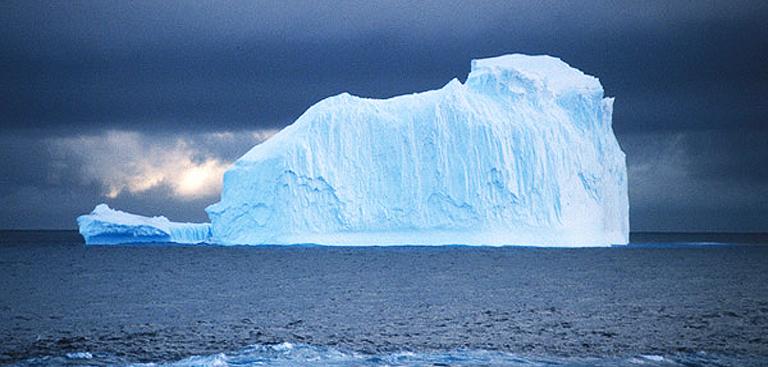 Antarctique : une faille géante pourrait créer un iceberg ...